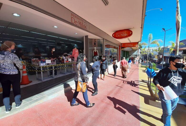 Comércio de São Carlos, Ibaté e Tambaú terá horário especial para o Dia das Mães