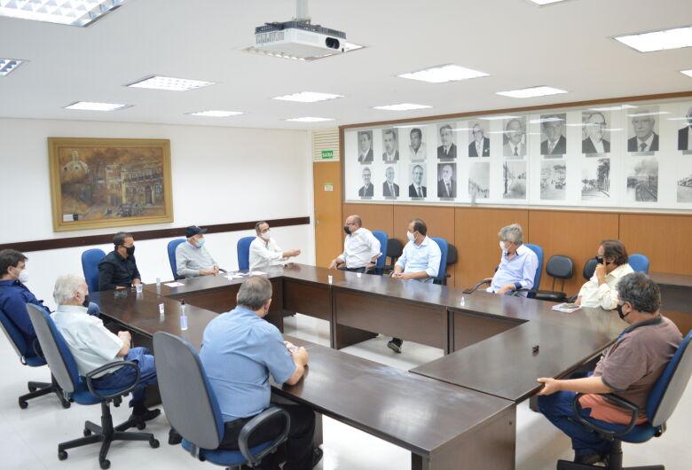 Crea-SP e AEASC reúnem-se com prefeito e secretários