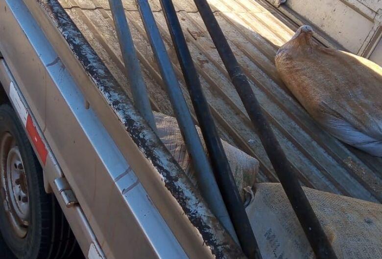 Ladrão é detido após furtar quatro barras de metal em Ibaté