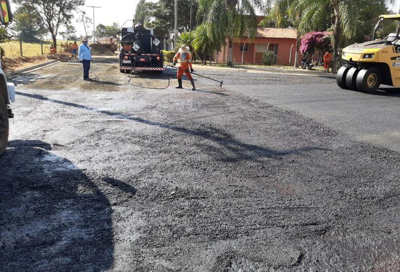 Obra de pavimentação da alça de acesso ao loteamento Quinta dos Buritis está na fase final