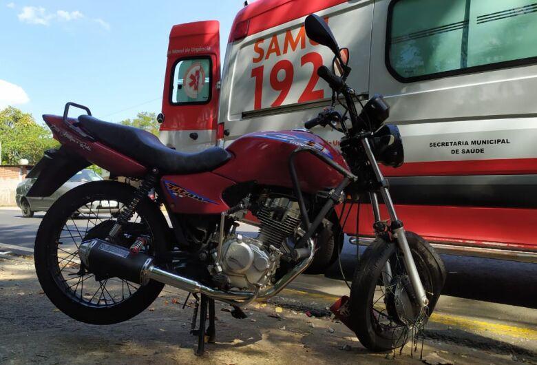 Adolescente tem fratura exposta após acidente no Aracy