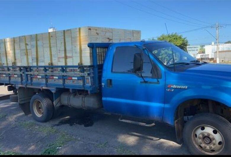 Caminhão furtado no Cruzeiro do Sul é recuperado pela PM