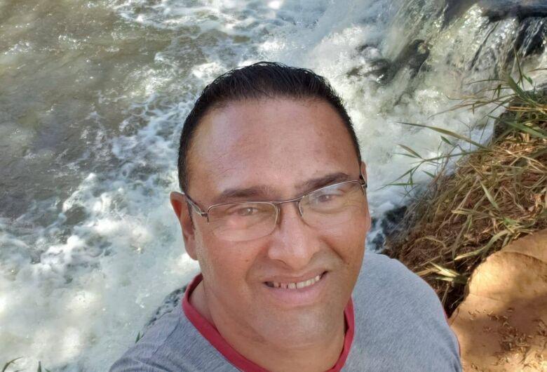 Morre o ex-policial militar Douglas Costa, vítima da Covid-19