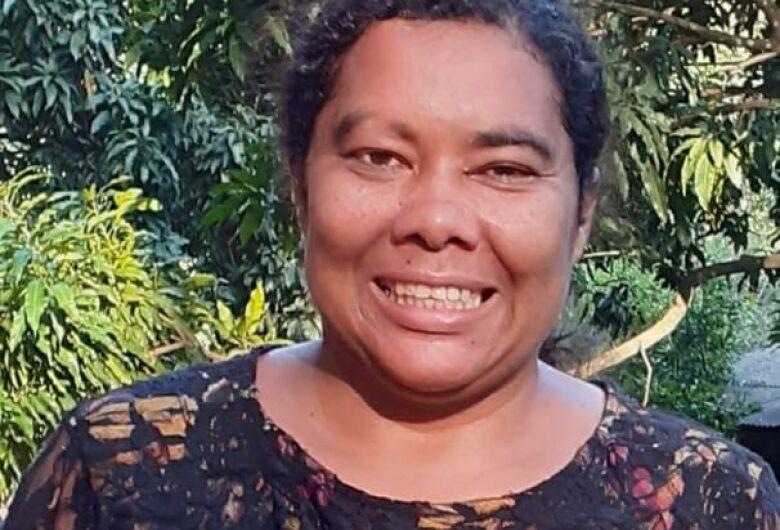 Mãe pede ajuda para localizar filha que está desaparecida