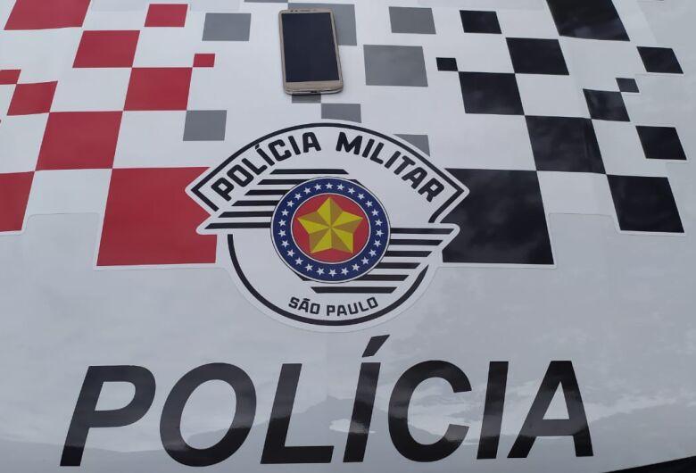 Dupla rouba carga de medicamentos e cosméticos no Antenor Garcia