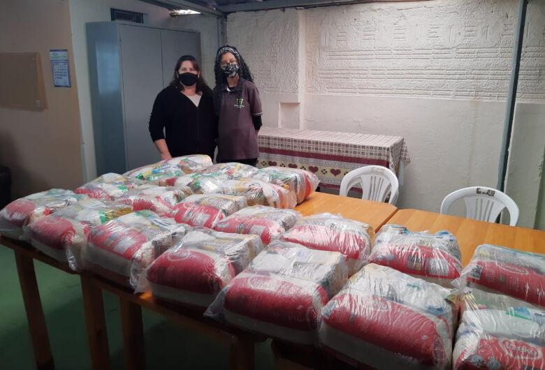 Centro de Convivência do Idoso recebe doação de cestas básicas em Ibaté