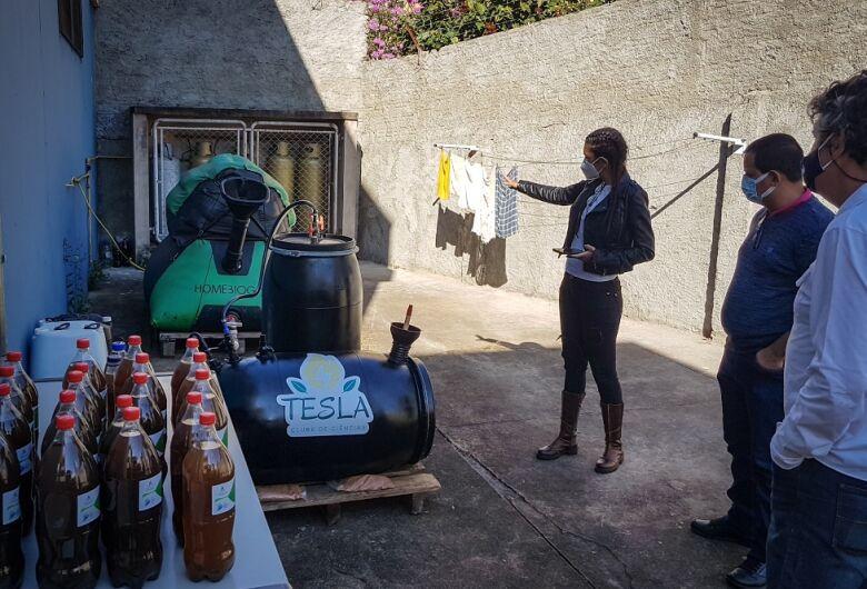 Roselei conhece projeto de aquaponia da escola Sebastião de Oliveira Rocha