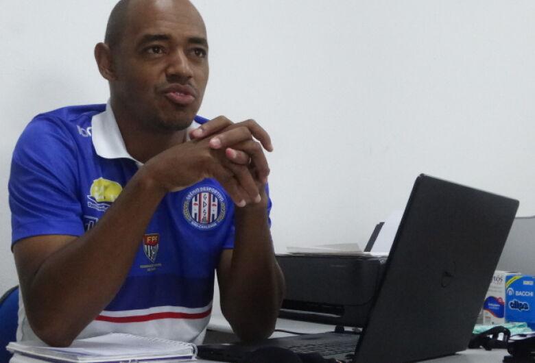 Com 22 jogadores, Grêmio se reapresenta no dia 14