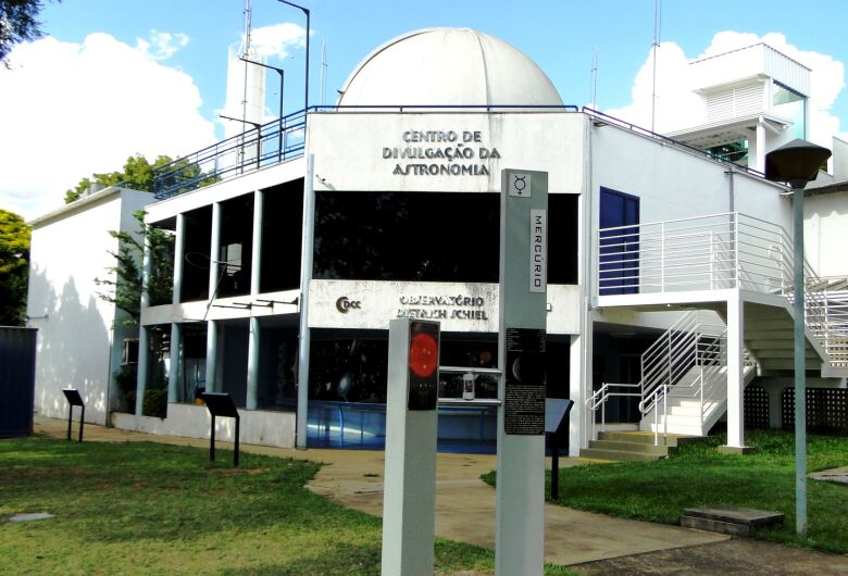 Observatório fará transmissão ao vivo de imagens da Lua Cheia nesta quinta, 24 de junho