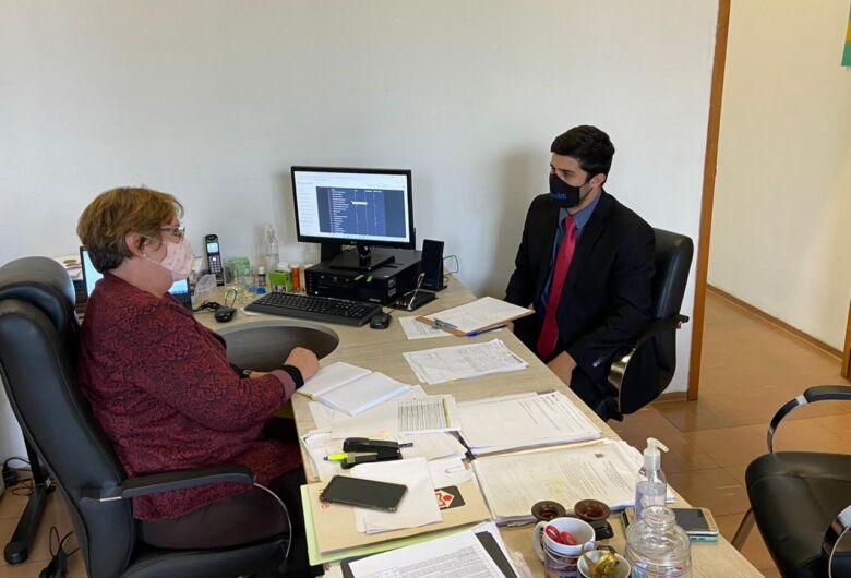Vereador Bruno Zancheta se reúne com Secretária Municipal de Educação Wanda Hoffmann