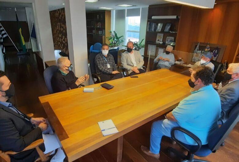 Airton Garcia recebe coordenador de Cidades Inteligentes do Governo do Estado