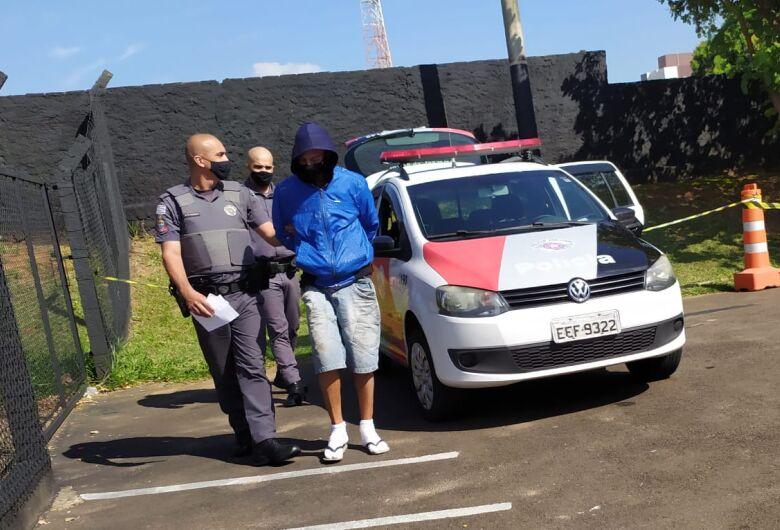 Ladrão é detido dentro de escola durante furto de fiação