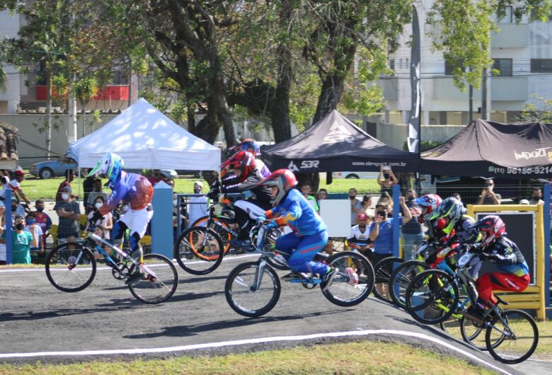 São-carlense é vice-campeão na Copa Caraguá de BMX