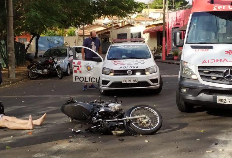 Casal fica ferido após colisão no Jardim Bicão