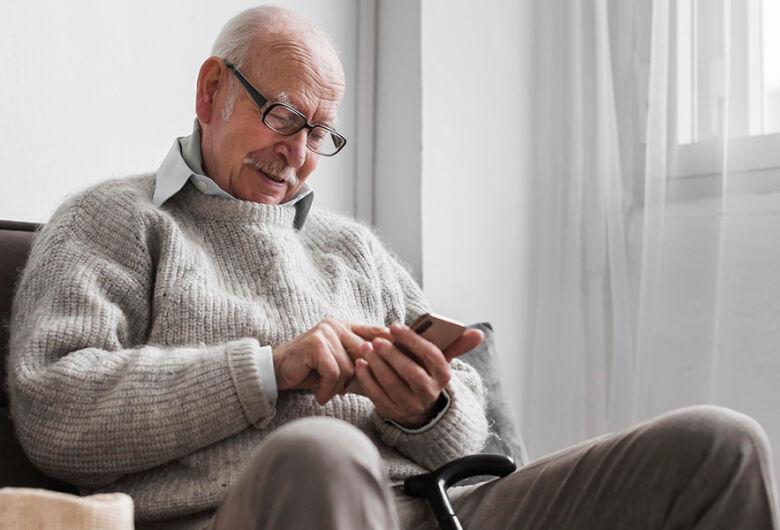 USP oferece nova edição de curso online gratuito para aprimorar habilidades de idosos identificarem fakenews