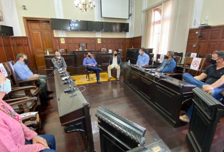 Presidente da Câmara recebe visita de Edson Ferraz