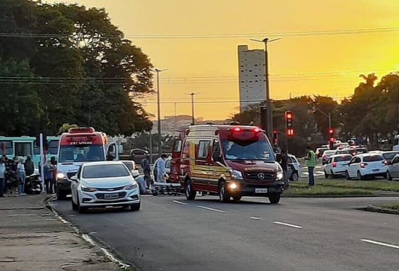 Casal fica ferido após acidente na região da rodoviária