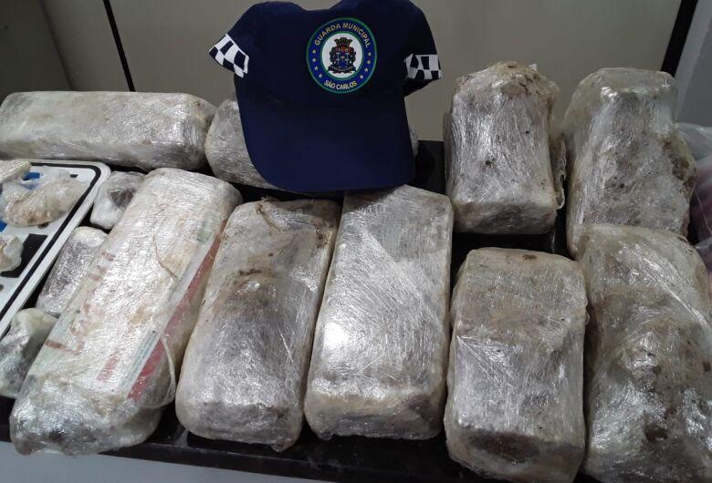 GM apreende grande quantidade de drogas no Santa Angelina