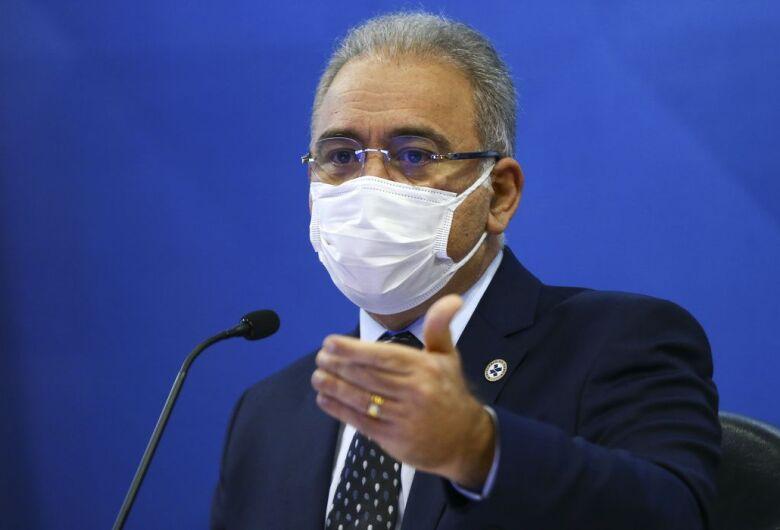 """""""Terceira dose só depois que avançarmos na segunda"""", diz ministro"""
