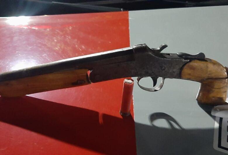 Arma ilegal é apreendida pela Força Tática no Antenor Garcia