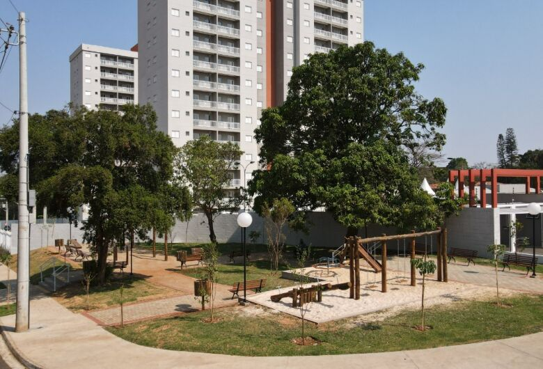 Praça Maria Divina Borges no bairro Jardim Santa Felícia é entregue neste sábado