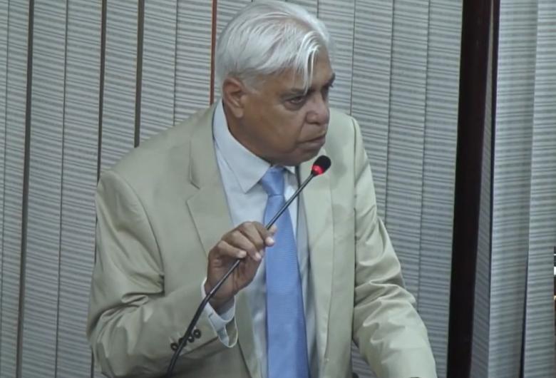 Azuaite conclama vereadores a se unirem em defesa da democracia e contra Bolsonaro