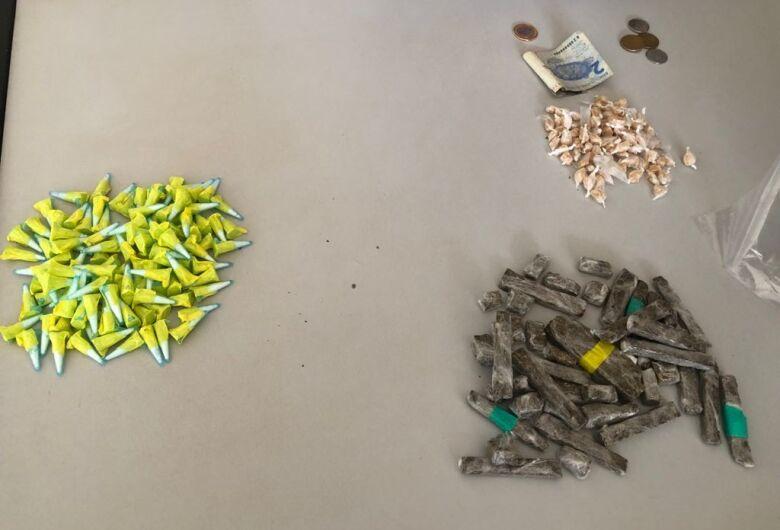 Jovem é flagrado com drogas no Jardim Cruzado em Ibaté