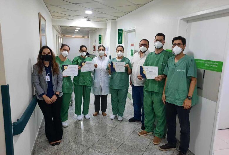 Hospital Unimed São Carlos – Unidade I recebe importantes certificações