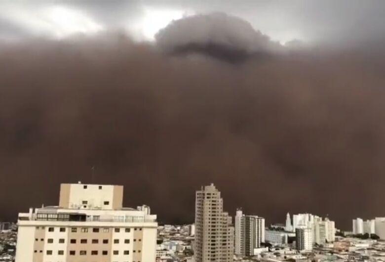 Tempestade de areia atinge cidades da região