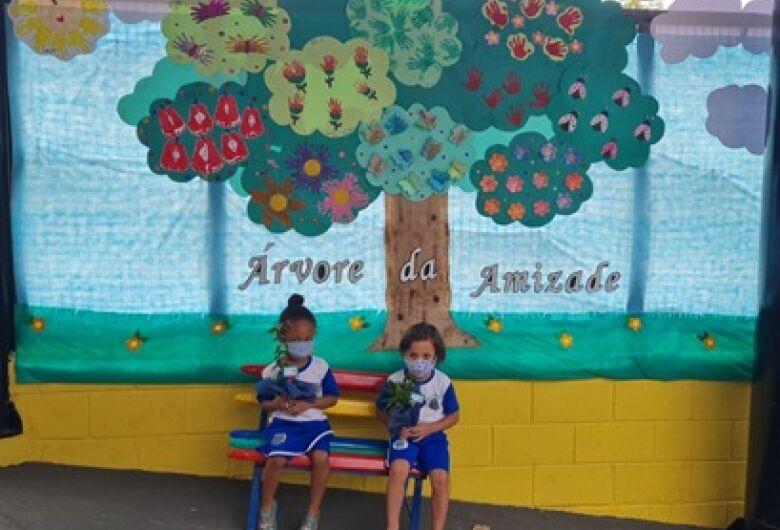 Escola de Ibaté comemora Dia da Árvore com diversas atividades