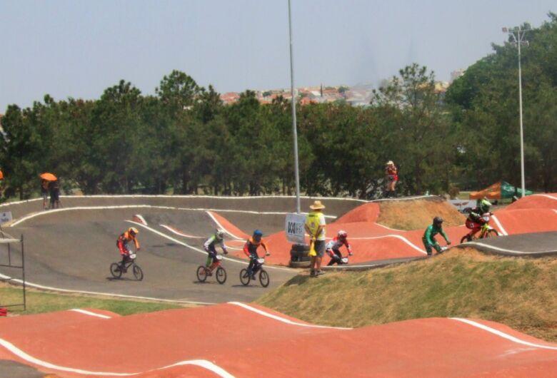 São Carlos brilha na abertura do Paulista de Bicicross