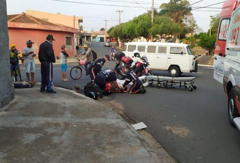 Motorista não respeita pare e atinge moto no Jockey Club