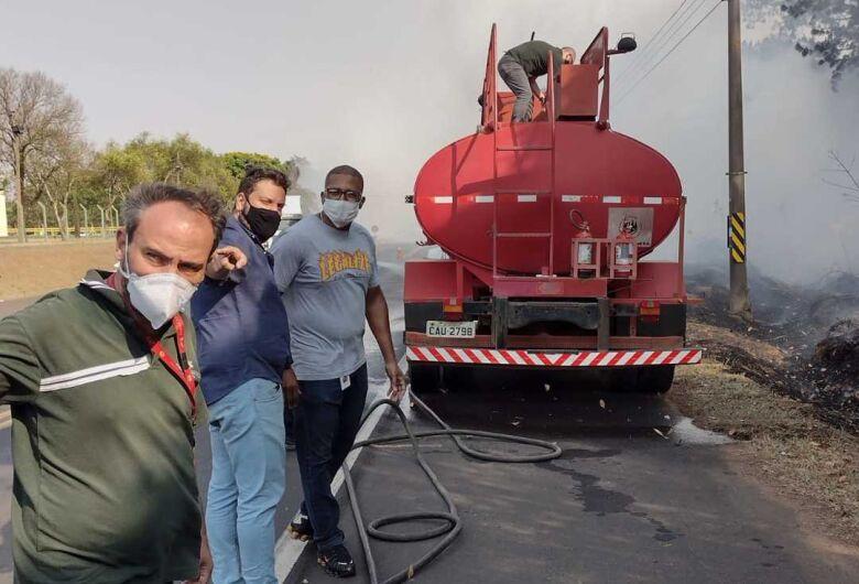 Fogo e fumaça causam transtorno na região do Cedrinho