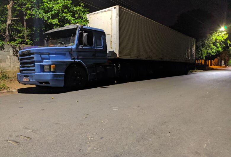 Quadrilha é presa em São Carlos após tentar desviar carga de gêneros alimentícios
