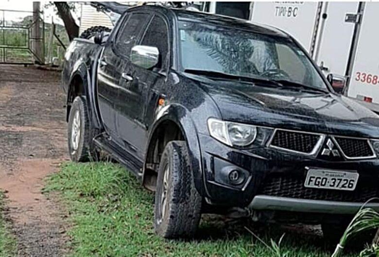 Bandidos em Jeep Renegade roubam caminhonete na região do Arcoville