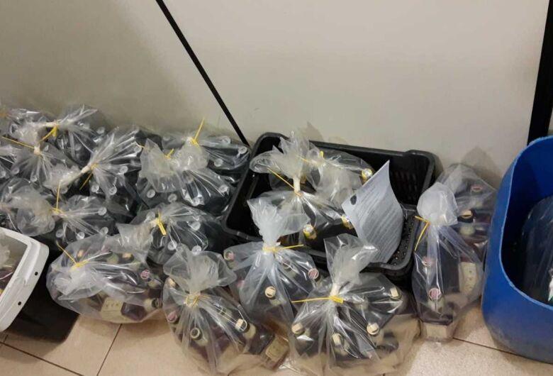 BAEP apreende garrafas de bebidas alcoólicas com suspeita de falsificação no Cidade Aracy