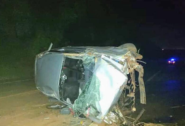 Grávida morre após capotamento em rodovia da região