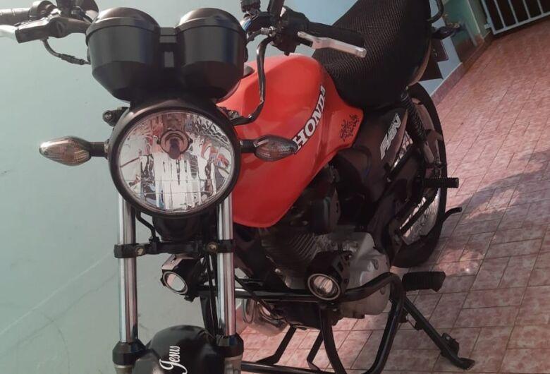 Ladrão furta moto e proprietário pede ajuda para localizá-la