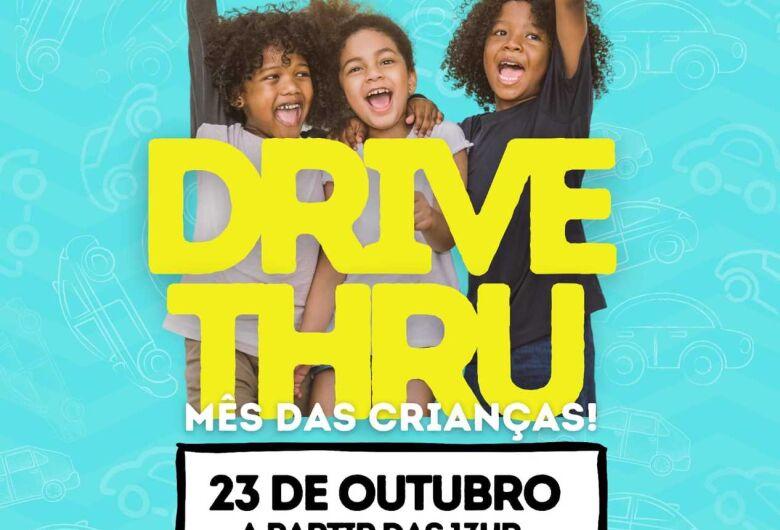 Casa da Bênção realiza o Drive Thru no Mês das Crianças