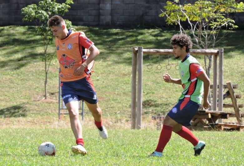 Grêmio busca a reabilitação diante da Itapirense