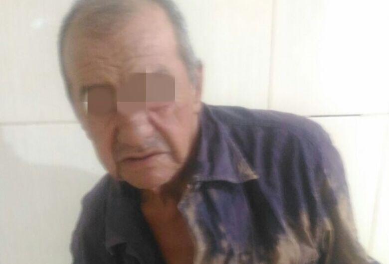 Homem agride mulher com panela de ferro no Antenor Garcia