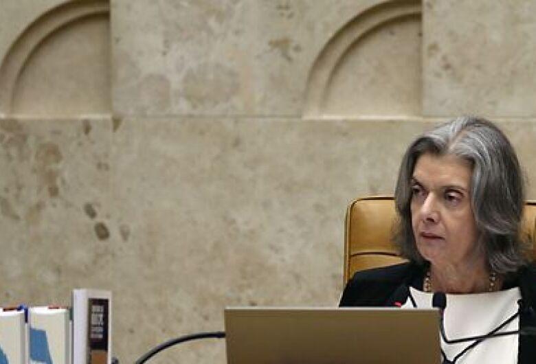 Cármen Lúcia marca para dia 2 de maio julgamento de foro privilegiado