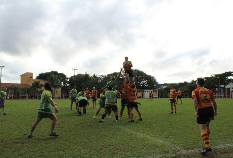 São Carlos e Tucanos fazem duelo direto pela ponta na Série B