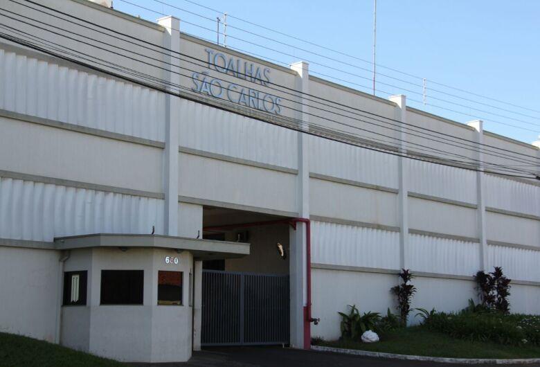 Toalhas São Carlos demite funcionários
