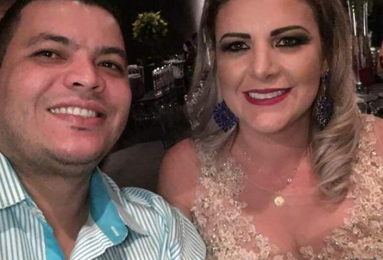 Polícia procura homem acusado de matar a esposa