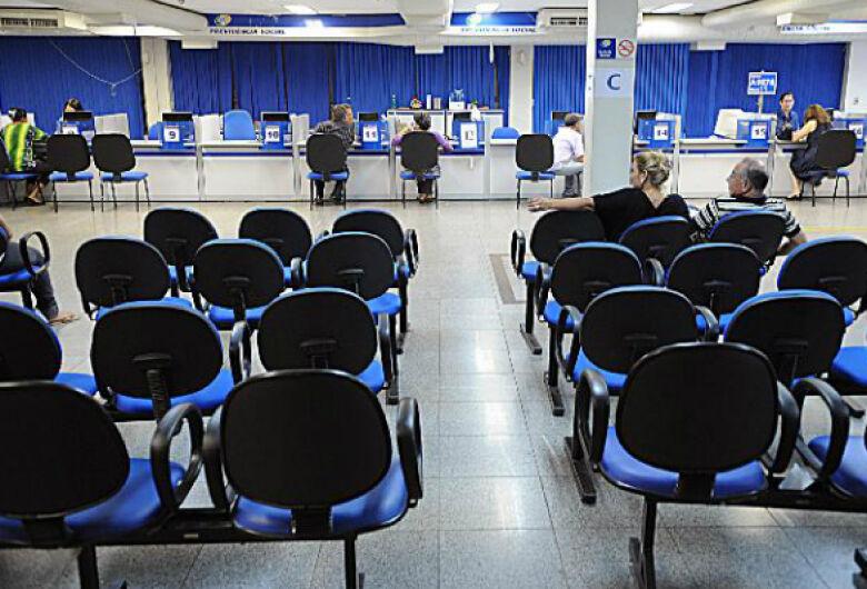 INSS convoca 152,2 mil beneficiários para perícia de revisão