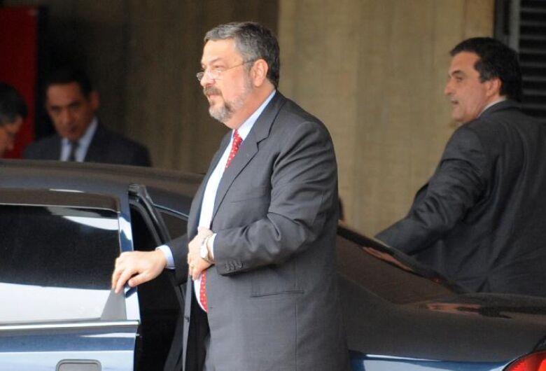 Palocci assina acordo de delação com a PF, diz O Globo