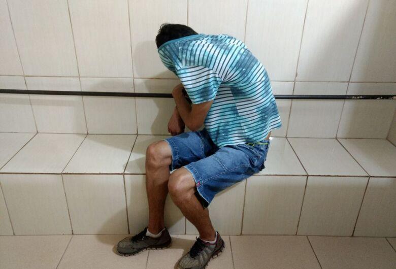 Ladrão flagrado furtando é reconhecido por furto anterior