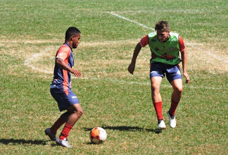 Grêmio Sãocarlense pega o Comercial e busca a reabilitação