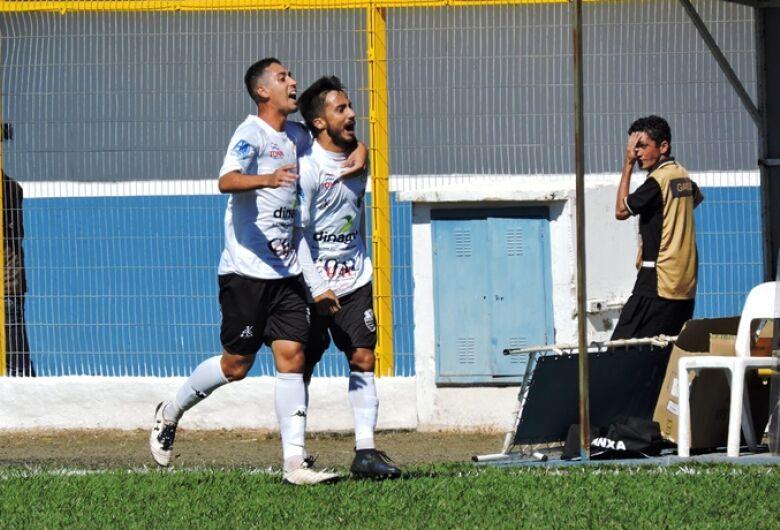 Grêmio não suporta Comercial e sofre mais uma goleada